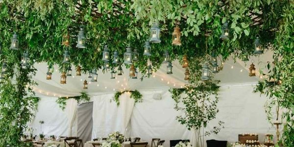artificial hanging plants for the interior wedding decor