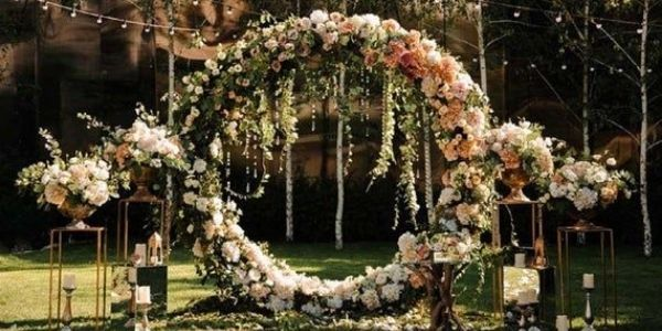 flower arrangements for the outdoor wedding decoration