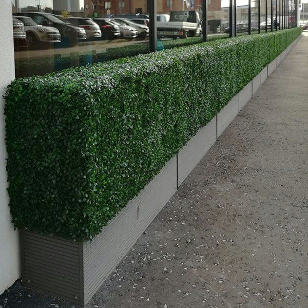 outside apllication of sunwing artificial hedges in planters