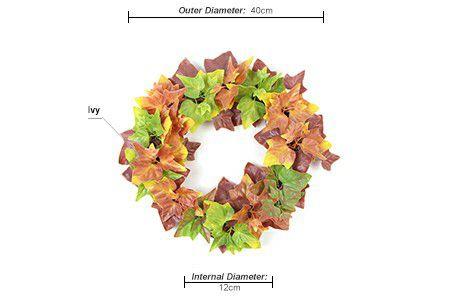 Ivy leaf wreath details