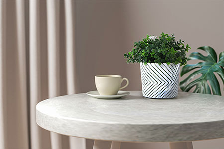 artificial-potted-plants-on-the-table