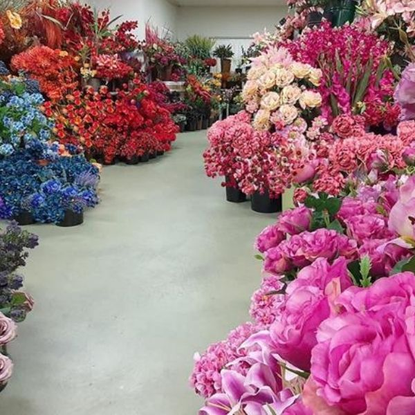 single artificial flowers with various styles