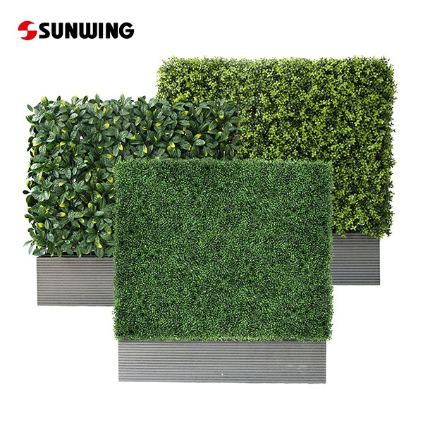 Artificial Hedges in Planters